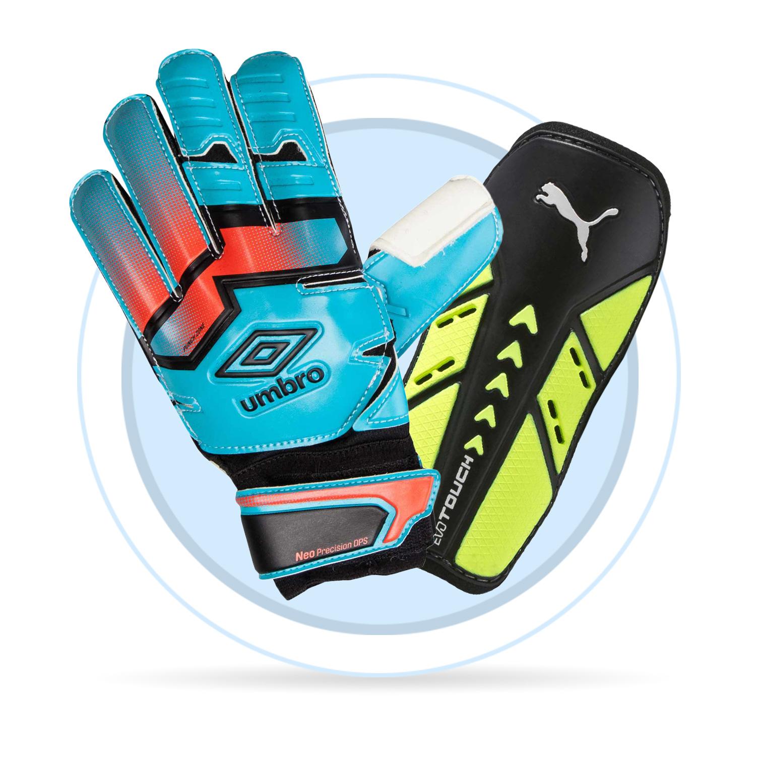 Jak vybrat fotbalové vybavení. Fotbalové vybavení je velice důležité pro  podání co nejlepšího výkonu. Brankářské rukavice nebo chrániče mají různé  ... fd0049356b