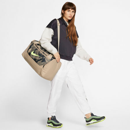 Športová dámska taška - Nike BRSLA S DUFF 9.0 AOP SP20 - 10