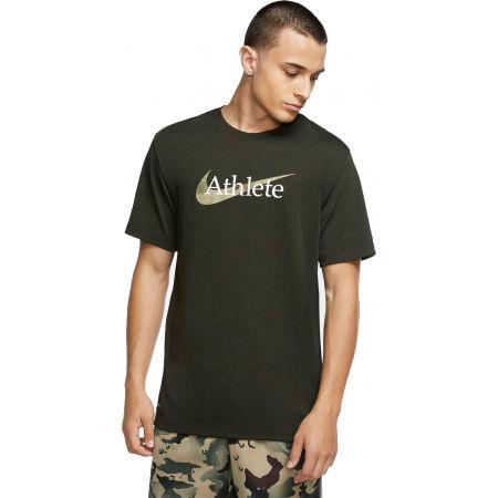 Nike DRY TEE DB ATHLETE CAMO M - Pánské tréninkové tričko