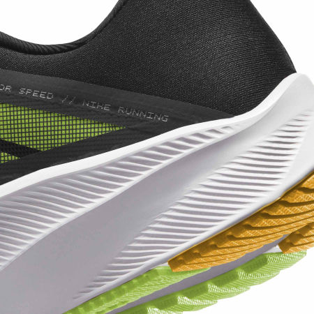 Men's running shoes - Nike QUEST 3 - 4