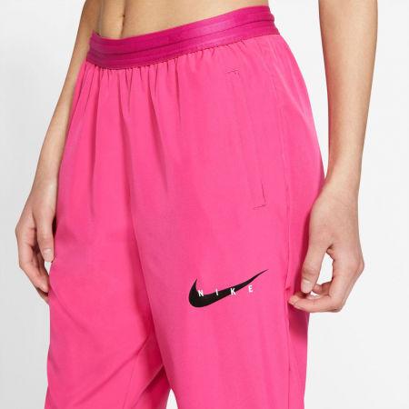 Дамско долнище за бягане - Nike SWOOSH RUN TRK PANT W - 3
