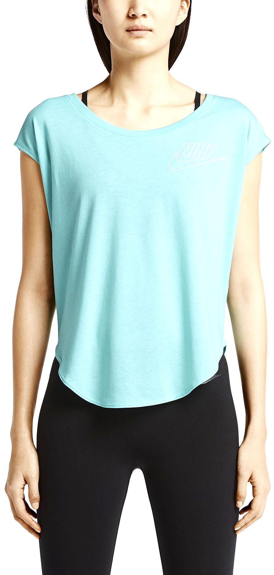 2a85a5aa5 Nike SIGNAL TEE-SMALL LOGO. SIGNAL TEE-SMALL LOGO - Women's T-Shirt