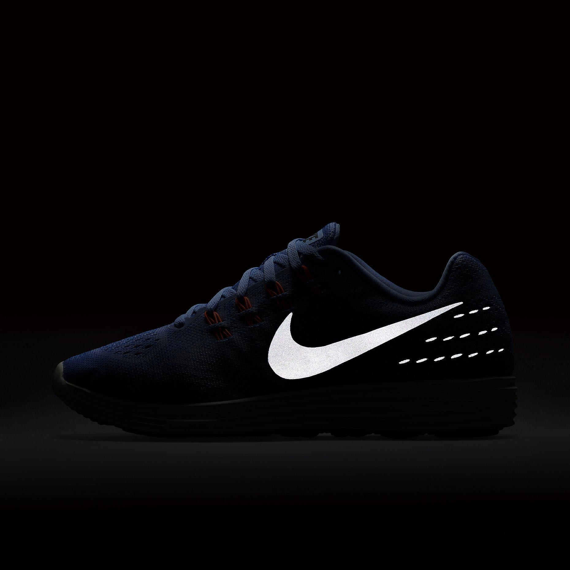newest 23a72 04772 Womens running shoes. 1. 2