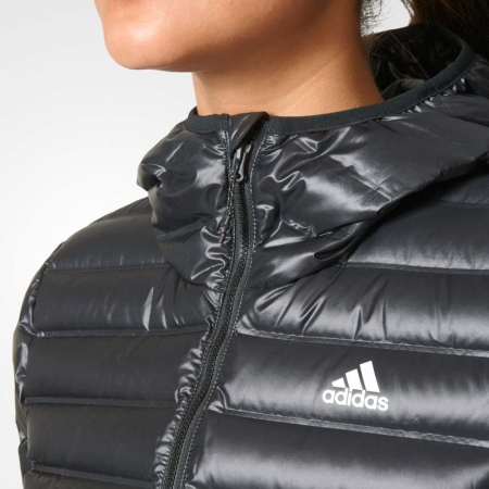 adidas VARILITE HOODED DOWN JACKET | sportisimo.hu