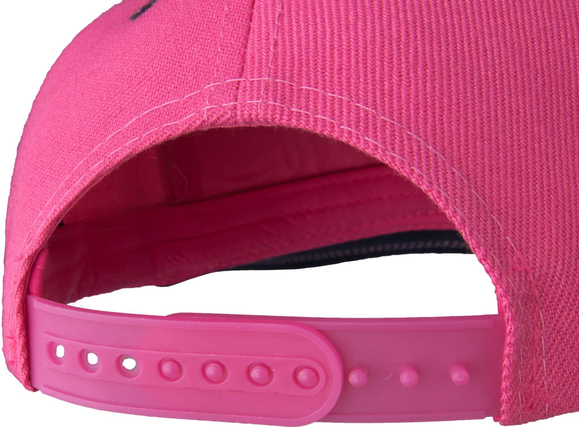 Dívčí čepice s rovným kšiltem