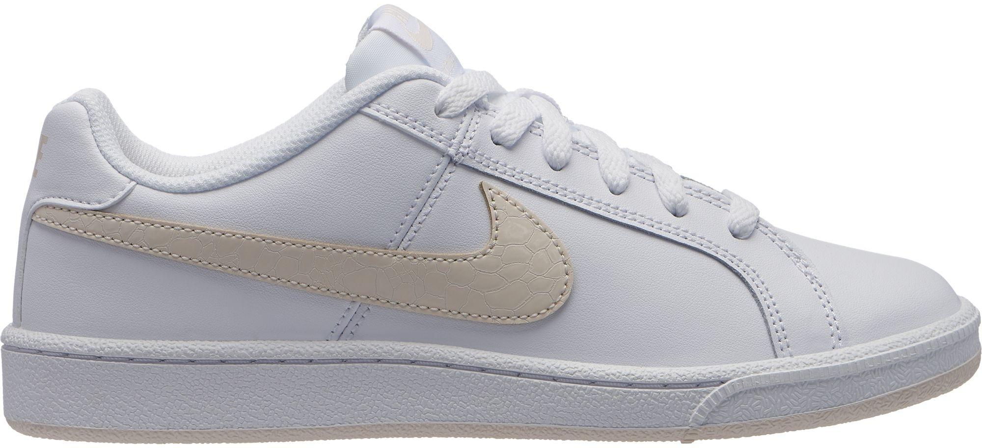 Nike COURT ROYALE SHOE. Dámské vycházkové boty 602afcd586