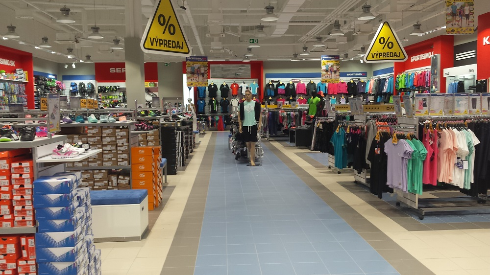 SPORTISIMO Levice: DITURIA SHOPPING CENTER